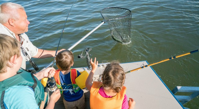 4-Fishing-with-kids640-(1).jpg